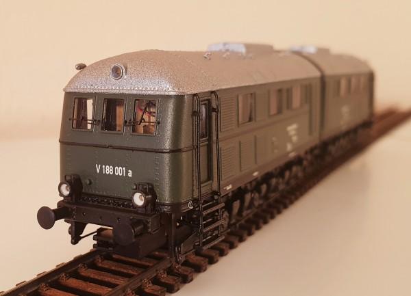 Diesellokomotive der BR V 188 in Epoche II-III als grüne Variante